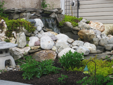 Iggys landscaping - Graceful waterfall